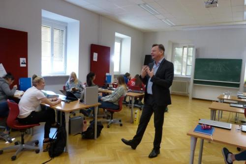 Rechtskunde-Unterricht (4)